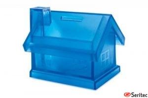 Casa hucha de plástico