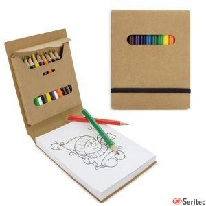 Libreta de cartón personalizable con dibujos y lapices de colores
