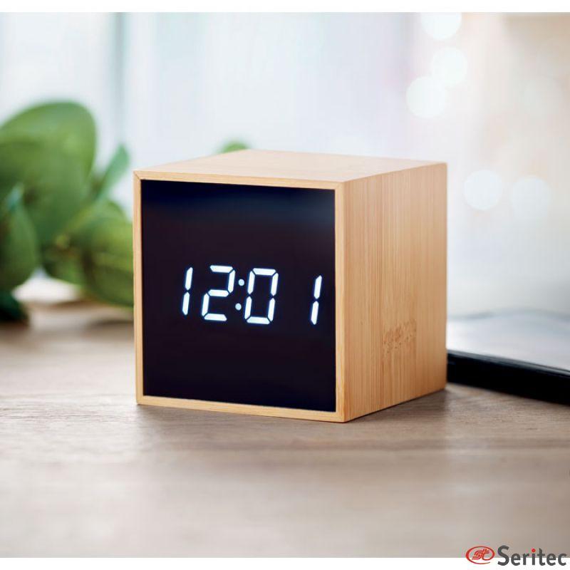 Despertador LED y termómetro con carcasa de bambú publicitario